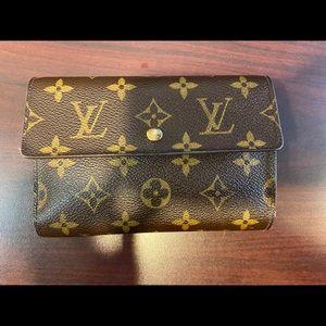 Authentic Louis Vuitton  Wallet**GREAT BUY**